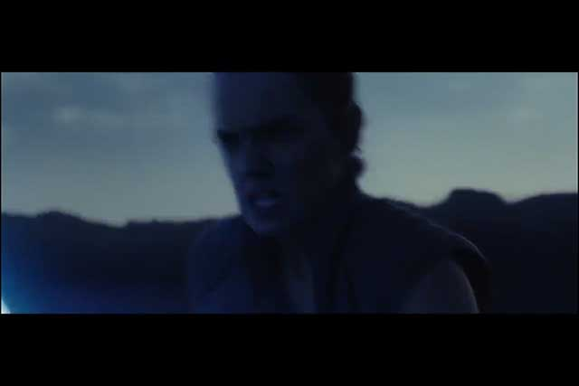 The Last Jedi - Rey Running